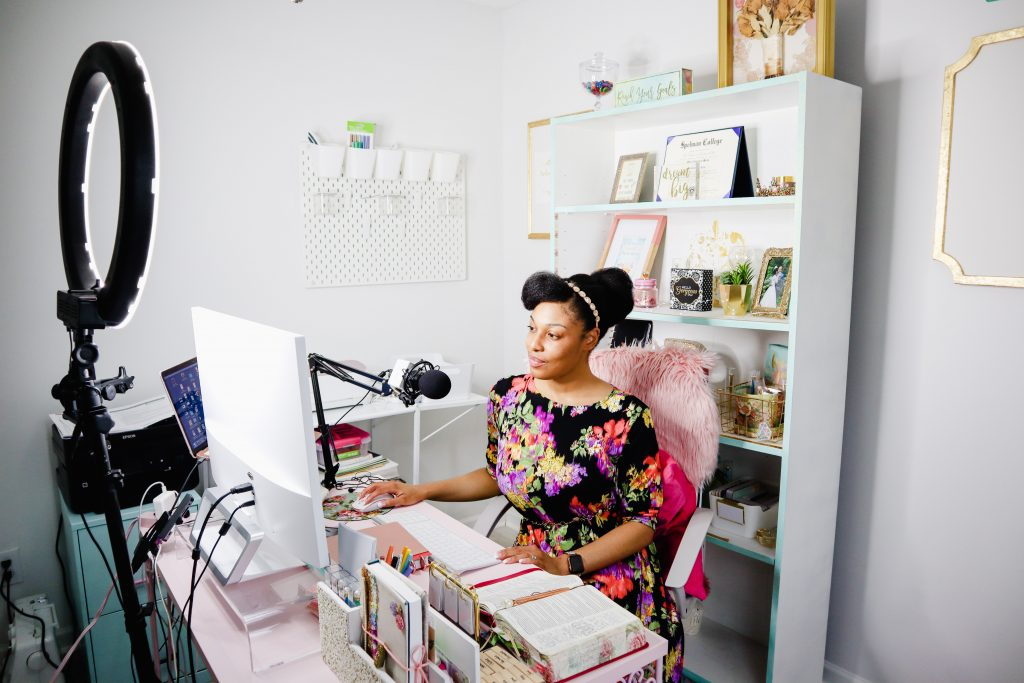 Stacy in Home Office with Neewer Ring Light